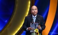 Nguyên Xuân Phuc à la remise des prix nationaux de la presse 2018
