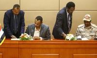 Au Soudan, militaires et opposants signent une déclaration constitutionnelle