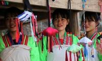 Festival de lancement de balle d'étoffe chez les minorités du nord