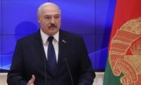 Biélorussie: Loukachenko ordonne au gouvernement d'empêcher les troubles