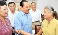 Parteisekretär von Ho Chi Minh Stadt trifft Wähler im Stadtbezirk Nummer 5