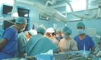 Staatspräsident Sang beglückwünscht Erfolg des Kinderkrankenhauses