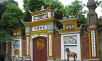 Ghenh-Tempel im Frühling besuchen