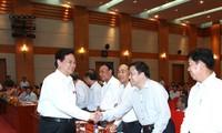 Premierminister Dung trifft Wähler der Stadt Haiphong