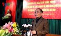 Parlamentspräsident Hung besucht Universität Vinh