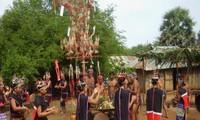 Traditionelle Hochzeitsfeier der Volksgruppe M'Nong