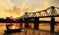 Die Brücken verbessern das Gesicht der Hauptstadt Hanoi