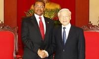 Tansanischer Präsident Kikwete beendet seinen Vietnam-Besuch