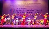 Festival der traditionellen Musik der ASEAN-Staaten 2015