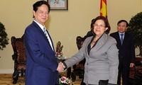Premierminister Nguyen Tan Dung trifft Kubas Finanzministerin Rodríguez