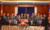 Hochrangiges Gespräch im Justizbereich zwischen Vietnam und Laos