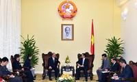 Nguyen Tan Dung trifft Vertreter der japanisch-vietnamesischen Abgeordnetengruppen