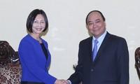 Nguyen Xuan Phuc trifft Exekutivdirektorin des singapurischen Konzerns Temasek