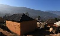 Häuser der Volksgruppe Ha Nhi