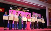 """Verleihung des Wettbewerbs """"Lernen und arbeiten nach dem Vorbild Ho Chi Minhs"""""""