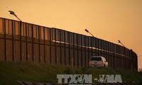 Vatikan und Spanien protestieren gegen den Bau einer Mauer zu Mexiko durch USA