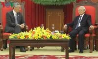 Nguyen Phu Trong empfängt den singapurischen Premierminister