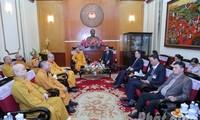 Tran Thanh Mam trifft Delegation des vietnamesischen Buddhistenverbandes