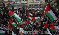 Zusammenstößen zwischen israelischen Soldaten und Palästinensern