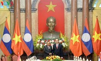 Staatspräsident Tran Dai Quang empfängt den laotischen Staatspräsidenten