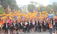Mehr als 5000 Menschen nehmen am Festtag der Freiwilligkeit teil