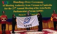 Parlament Vietnams übergibt dem Parlament Kambodschas den APPF-Vorsitz