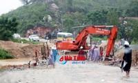 Provinzen unterstützen Einwohner bei Beseitigung der Folgen des Sturmes Son Tinh