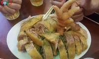 Dong-Tao-Hühner, leckeres Essen für Touristen