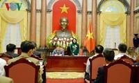 Interimsstaatspräsidentin Dang Thi Ngoc Thinh trifft ausgezeichnete Bauern 2018