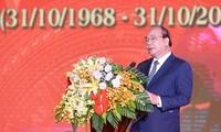 Nguyen Xuan Phuc nimmt an Feier zum 50. Jahrestag des Truong Bon-Ereignisses teil