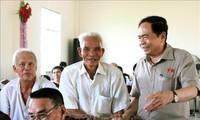 Der Vorsitzende der Vaterländischen Front Vietnams trifft Wähler der Stadt Can Tho
