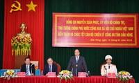 Premierminister Nguyen Xuan Phuc überprüft Kampfbereitschaft der Polizei der Provinz Dak Nong