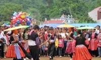 Die ethnische Minderheit Mong feiert das traditionelle Neujahrsfest