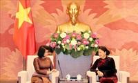 Parlamentspräsidentin Nguyen Thi Kim Ngan empfängt Kambodschas Vizeparlamentspräsidentin Khuon Sudary