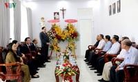Der Vorsitzende der Vaterländischen Front Vietnams besucht die Bischofsresidenz Phan Thiet