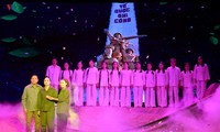 """Tief bewegt mit Musiktheaterstück """"Hoa Lua Truong Bon"""""""