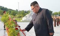 Nordkoreas Staatschef Kim Jong-un besucht Friedhof der im Koreakrieg gefallenen Soldaten