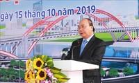 Premierminister Nguyen Xuan Phuc startet technische Verkehrsanbindung der Brücke Hoang Van Phu