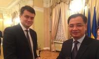 Parlamente Vietnams und der Ukraine wollen ihre Zusammenarbeit verstärken