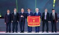 Premierminister Nguyen Xuan Phuc nimmt an 120. Gründungstag der vietnamesischen Zementbranche teil