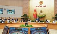 Premierminister Nguyen Xuan Phuc: Wettbewerb zum Patriotismus soll neue Stimmung schaffen