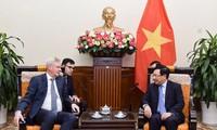 Vizepremierminister, Außenminister Pham Binh Minh empfängt den ersten russischen Vize-Außenminister