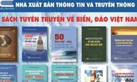 Präsentation des Buchbandes über Meer und Inseln Vietnams