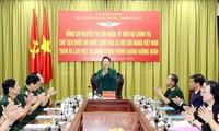 Parlamentspräsidentin Nguyen Thi Kim Ngan besucht die Luftwaffe