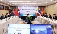 Premierminister Nguyen Xuan Phuc nimmt an hochrangiger Mekong-Lancang-Videokonferenz teil