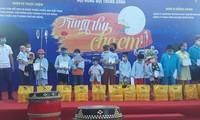 Das Mittherbstfest für Kinder in Provinzen