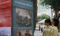 """Ausstellung """"Hanoi: historische Merkmale"""" am Hoan Kiem-See"""