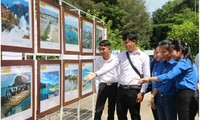 """Ausstellung """"Hoang Sa und Truong Sa Vietnams – rechtliche und historische Beweise"""" in Tra Vinh"""