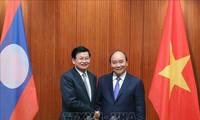 Der laotische Premierminister besucht Vietnam und ist Ko-Vorsitzender der Sitzung der vietnamesisch-laotischen Regierung
