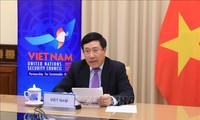 Vizepremierminister, Außenminister Pham Binh Minh nimmt an einer offenen Debatte des UN-Sicherheitsrates teil